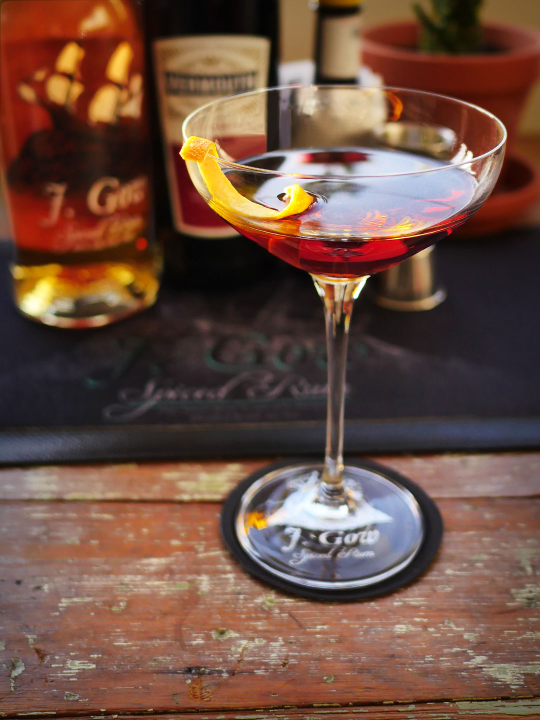New Amsterdam J. Gow Manhattan cocktail